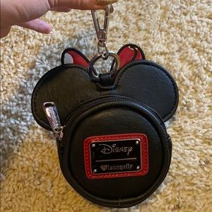 LOUNGEFLY Minnie coin purse